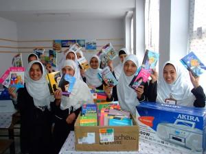 2013. Distribution de livres